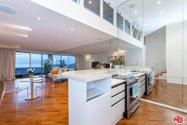 6 Voyage Street #204, Marina Del Rey, CA 90292 (#21731522) :: Mark Nazzal Real Estate Group