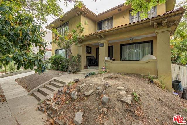 376 S Westmoreland Avenue, Los Angeles (City), CA 90020 (#21730548) :: Mark Nazzal Real Estate Group
