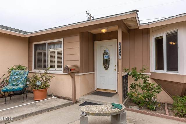 3327 S E Street, Oxnard, CA 93033 (#V1-5778) :: Compass