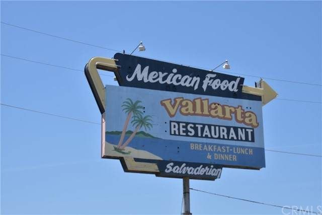 981 Frontage Road, Mcfarland, CA 93250 (#OC21103299) :: The Alvarado Brothers
