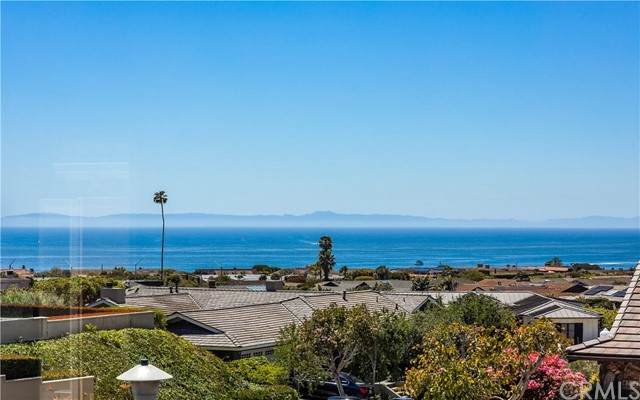 701 Cameo Highlands Drive, Corona Del Mar, CA 92625 (#NP21100981) :: McKee Real Estate Group Powered By Realty Masters & Associates