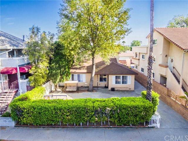 17082 Chatsworth Street, Granada Hills, CA 91344 (#OC21097946) :: Steele Canyon Realty