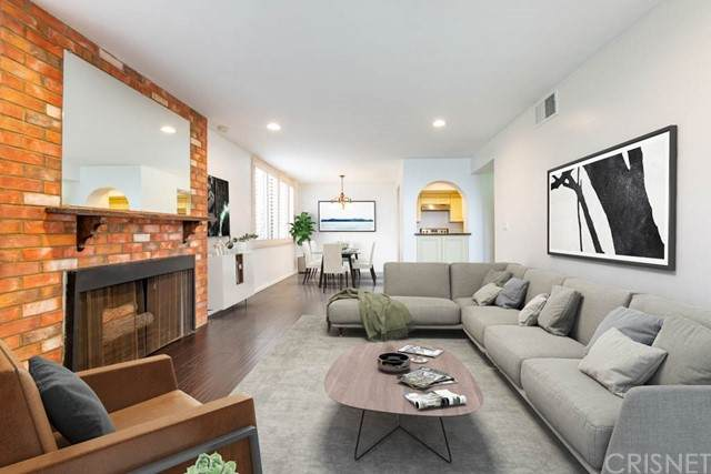 1215 N Olive Drive #201, West Hollywood, CA 90069 (#SR21093491) :: Rogers Realty Group/Berkshire Hathaway HomeServices California Properties