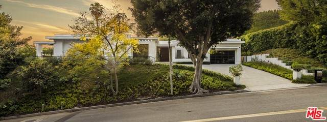 1041 N Hillcrest Road, Beverly Hills, CA 90210 (#21732026) :: Twiss Realty