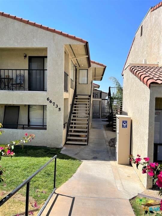 66735 12Th Street B5, Desert Hot Springs, CA 92240 (#21731724) :: Swack Real Estate Group | Keller Williams Realty Central Coast