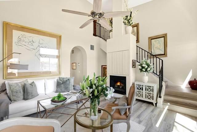 226 Villorrio Drive E, Palm Springs, CA 92262 (#219062036PS) :: Blake Cory Home Selling Team