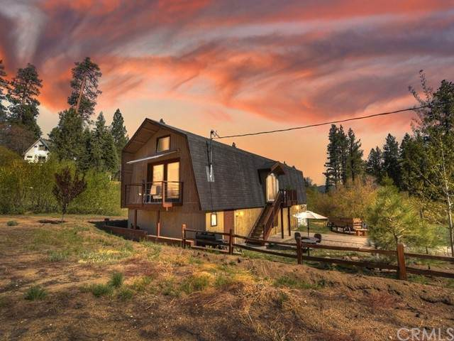944 Pine Knot, Big Bear, CA 92315 (#EV21103806) :: Blake Cory Home Selling Team