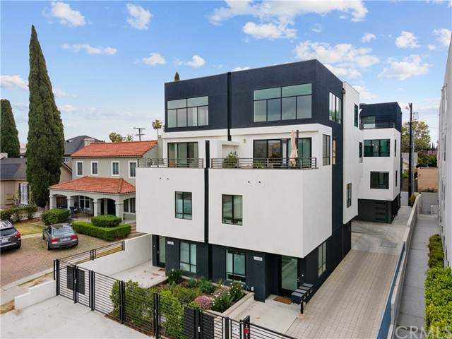 5016 1/2 Rosewood Avenue, Los Angeles (City), CA 90004 (#SB21102483) :: CENTURY 21 Jordan-Link & Co.