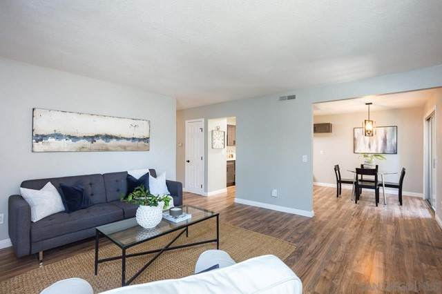 1035 E Washington Ave #7, Escondido, CA 92025 (#210013030) :: McKee Real Estate Group Powered By Realty Masters & Associates