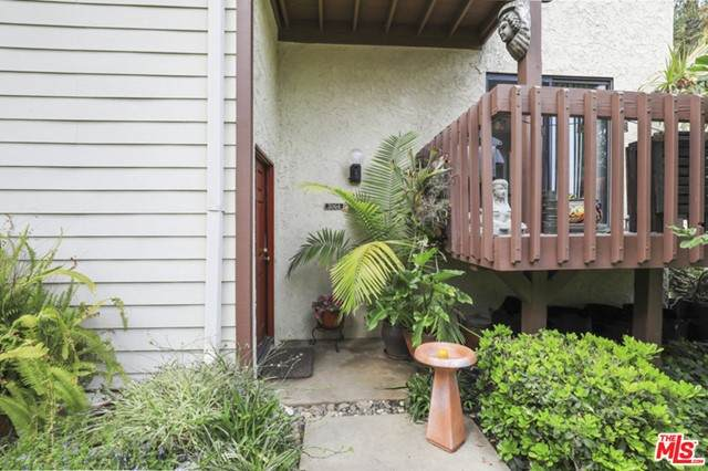 5964 Costello Avenue, Van Nuys, CA 91401 (#21731754) :: McKee Real Estate Group Powered By Realty Masters & Associates