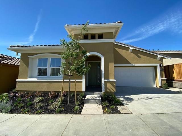 1120 Garcia, Hollister, CA 95023 (#ML81844039) :: Wahba Group Real Estate | Keller Williams Irvine