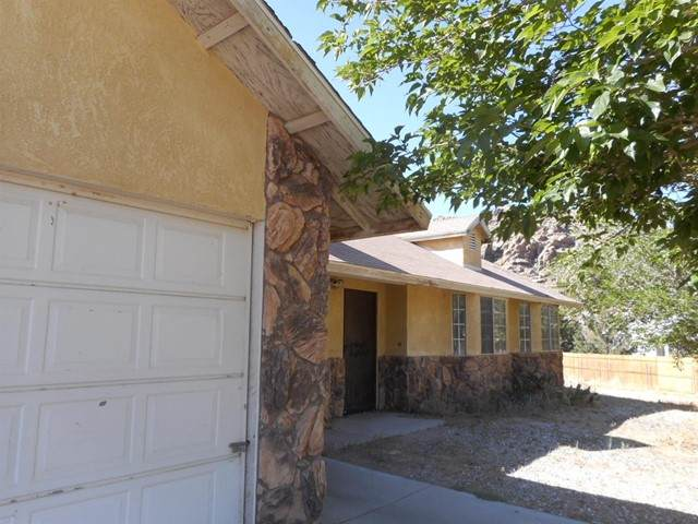 24184 Kansa Rd Road, Apple Valley, CA 92307 (#535199) :: McKee Real Estate Group Powered By Realty Masters & Associates