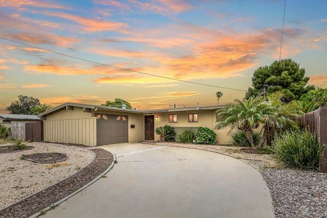 1011 Holly Ave, Imperial Beach, CA 91932 (#210013049) :: Power Real Estate Group