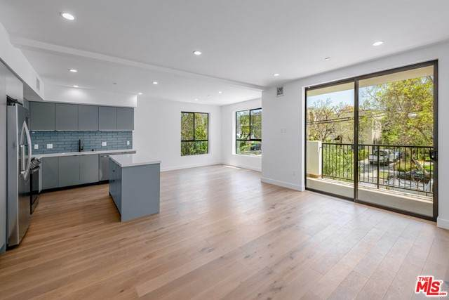 1515 S Holt Street #203, Los Angeles (City), CA 90035 (#21702290) :: Mark Nazzal Real Estate Group