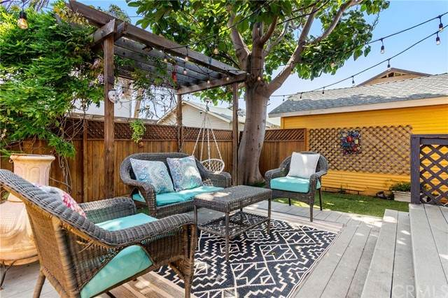 2612 S Denison Avenue, San Pedro, CA 90731 (#SB21084023) :: Powerhouse Real Estate