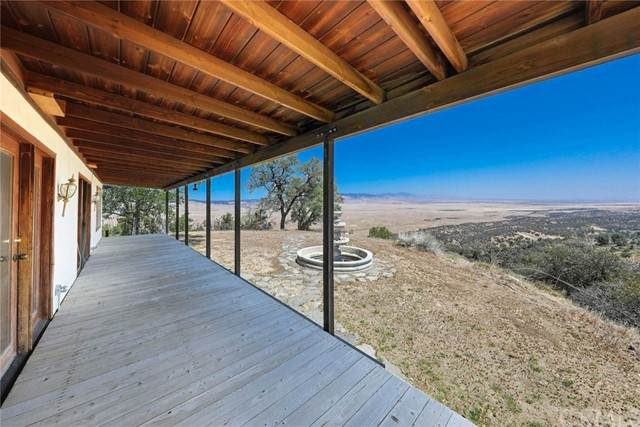 47385 Ridge Route Road, Lake Hughes, CA 93532 (#OC21101641) :: Mark Nazzal Real Estate Group
