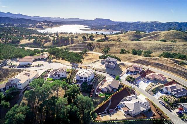 2720 Edgewood Court, Paso Robles, CA 93446 (#PI21104022) :: Millman Team