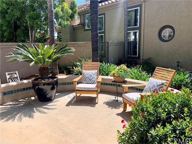 8 Saint Annes, Rancho Santa Margarita, CA 92679 (#OC21104172) :: Mint Real Estate