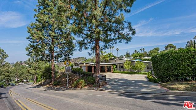 1920 Loma Vista Drive, Beverly Hills, CA 90210 (#21732486) :: Twiss Realty