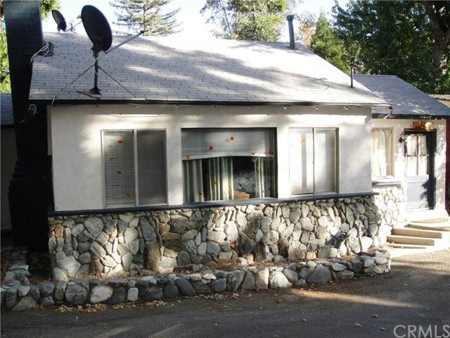 291 Lytle Lane, Lytle Creek, CA 92358 (#IV21104641) :: A|G Amaya Group Real Estate