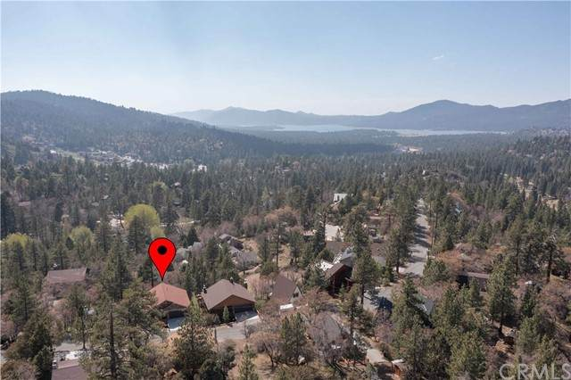 43641 Ridge Crest Drive, Big Bear, CA 92315 (#EV21104313) :: Blake Cory Home Selling Team