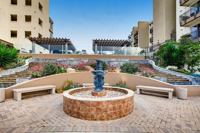 1019 Costa Pacifica Way #1107, Oceanside, CA 92054 (#NDP2105412) :: Steele Canyon Realty