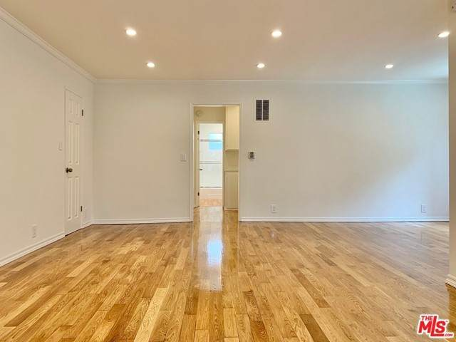 8219 Norton Avenue #5, West Hollywood, CA 90046 (#21732584) :: Steele Canyon Realty