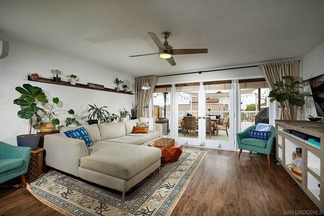 2373 Loring St., San Diego, CA 92109 (#210013183) :: Rogers Realty Group/Berkshire Hathaway HomeServices California Properties