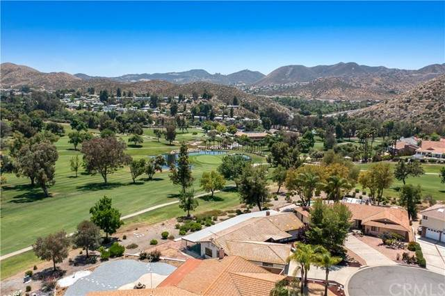 30588 Willowbrook Place, Canyon Lake, CA 92587 (#SW21100498) :: Steele Canyon Realty