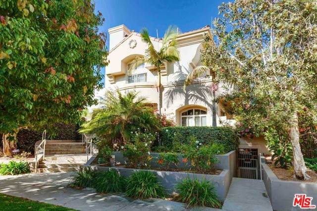 1111 10Th Street #105, Santa Monica, CA 90403 (#21732120) :: Rogers Realty Group/Berkshire Hathaway HomeServices California Properties
