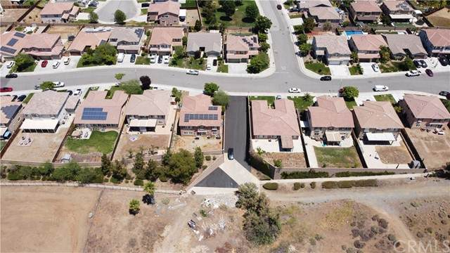 19851 Riverside Street, Lake Elsinore, CA 92532 (#SW21105261) :: Steele Canyon Realty