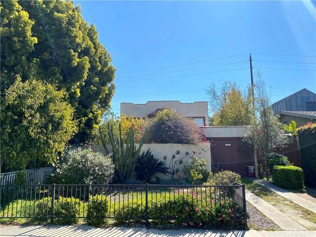 912 Superba Avenue, Venice, CA 90291 (#SB21105295) :: CENTURY 21 Jordan-Link & Co.