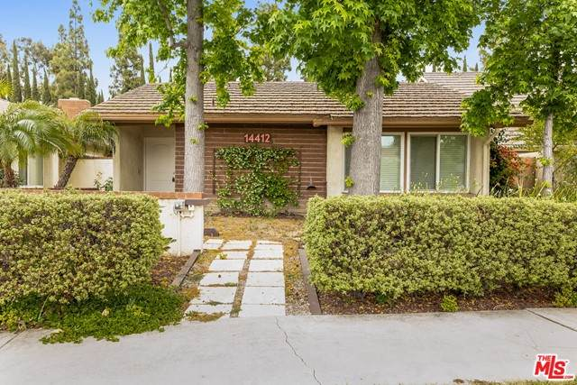 14412 Pinewood Road, Tustin, CA 92780 (#21732356) :: Powerhouse Real Estate