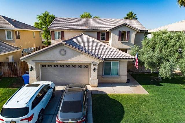 135 Quail Run Drive, El Centro, CA 92243 (#PTP2103346) :: Wahba Group Real Estate | Keller Williams Irvine
