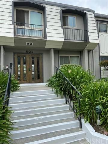 22050 Calvert Street #8, Woodland Hills, CA 91367 (#SR21105445) :: Steele Canyon Realty