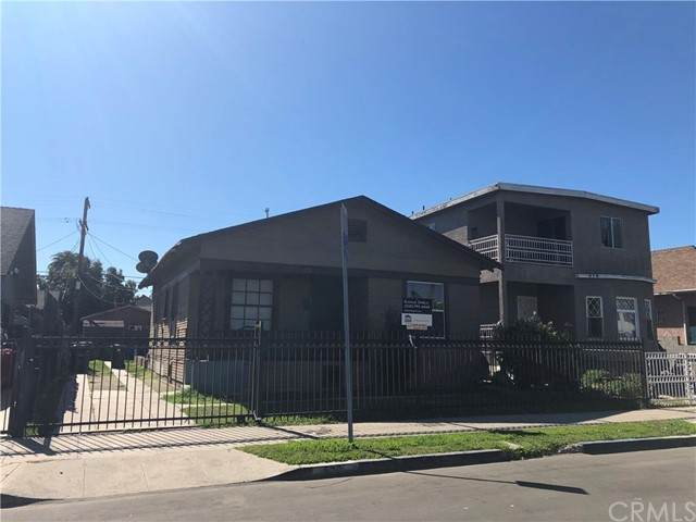 622 E 35TH Street, Los Angeles (City), CA 90011 (#OC21105800) :: Rogers Realty Group/Berkshire Hathaway HomeServices California Properties