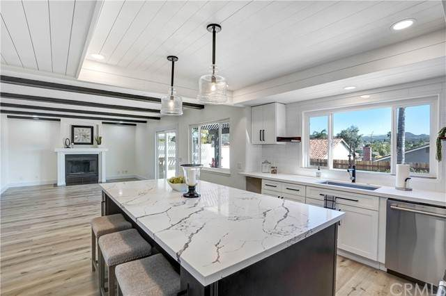 22751 Cove View Street, Canyon Lake, CA 92587 (#SW21105740) :: Berkshire Hathaway HomeServices California Properties
