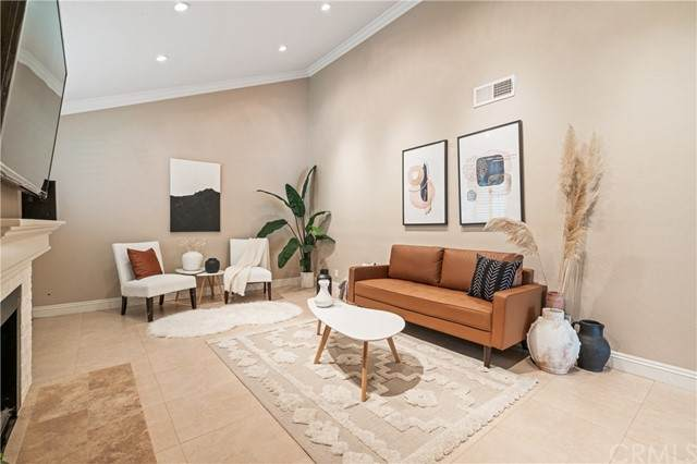 14 Moonrise Court #1, Newport Beach, CA 92663 (#CV21105893) :: Berkshire Hathaway HomeServices California Properties