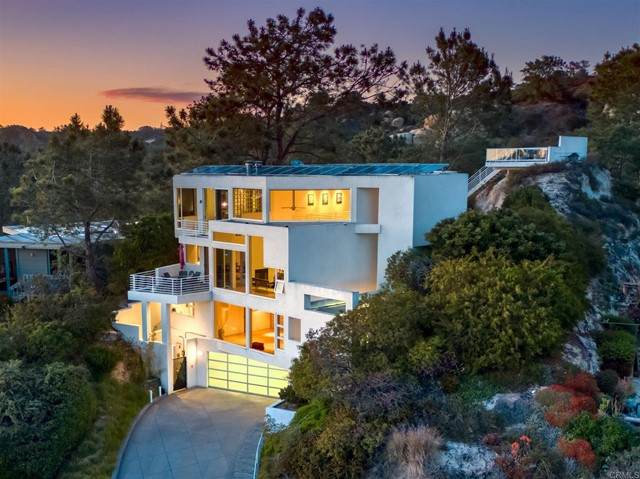 13084 Via Grimaldi, Del Mar, CA 92014 (#NDP2105459) :: Powerhouse Real Estate