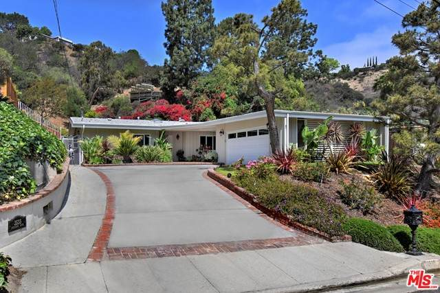 3535 Loadstone Drive, Sherman Oaks, CA 91403 (#21733256) :: Rogers Realty Group/Berkshire Hathaway HomeServices California Properties