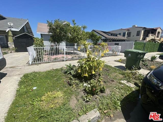 1447 W 51St Street, Los Angeles (City), CA 90062 (#21733388) :: Rogers Realty Group/Berkshire Hathaway HomeServices California Properties