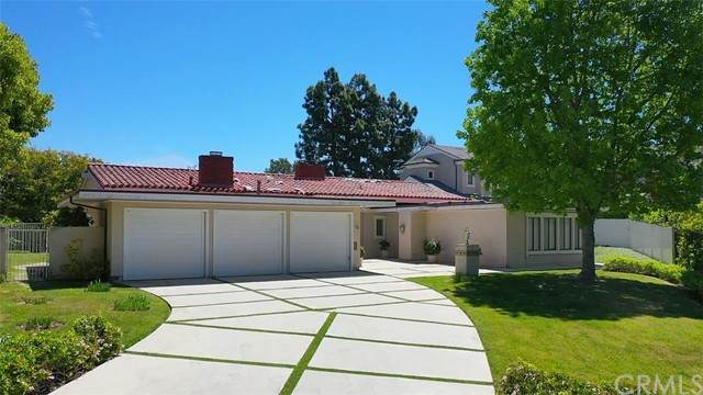 18 Pinehurst Lane, Newport Beach, CA 92660 (#NP21105157) :: The DeBonis Team