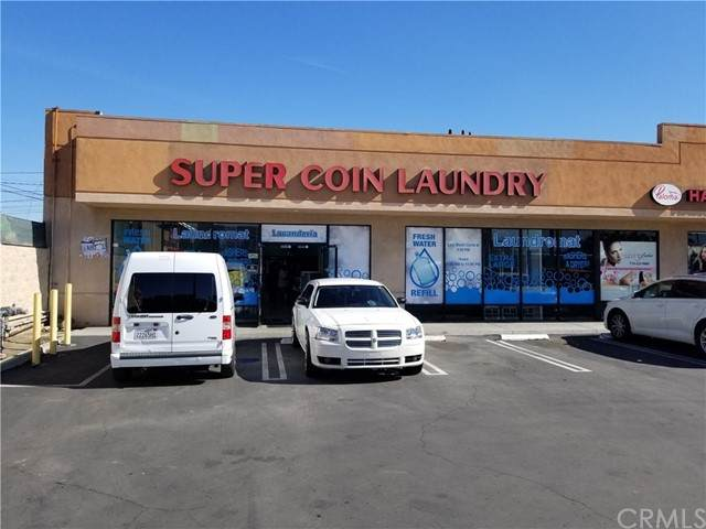 558 Anaheim Boulevard - Photo 1