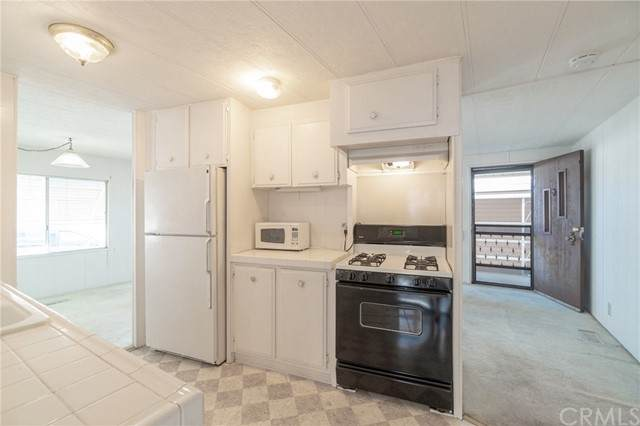 17700 S Westerm Avenue #148, Gardena, CA 90248 (#SB21106681) :: Millman Team