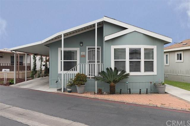 43 Orange Via, Anaheim, CA 92801 (#PW21104248) :: Millman Team