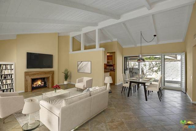 2441 S Gene Autry Trail C, Palm Springs, CA 92264 (#21733888) :: Compass