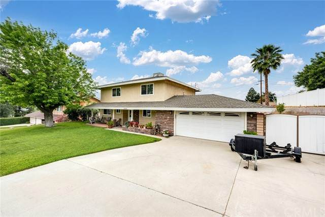 12185 Country Club Lane, Grand Terrace, CA 92313 (#IV21104178) :: Berkshire Hathaway HomeServices California Properties