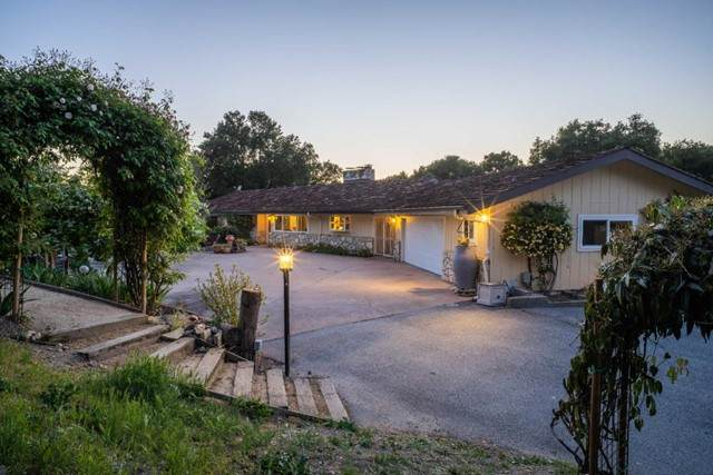 26230 Jeanette Road, Carmel Valley, CA 93924 (#ML81844661) :: The Marelly Group | Sentry Residential