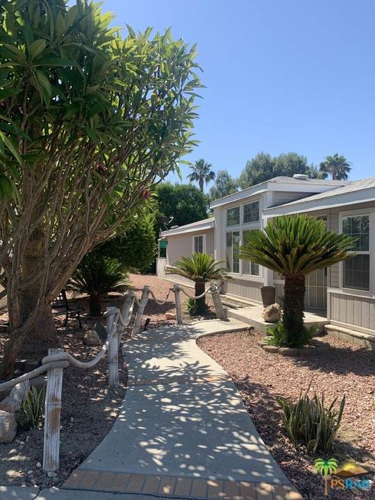 502 Cerritos Way, Cathedral City, CA 92234 (#21737388) :: Zember Realty Group