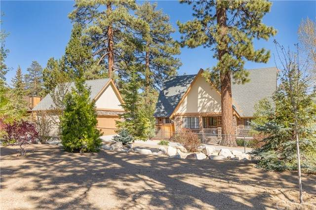 1064 Mount Whitney Drive, Big Bear, CA 92314 (MLS #EV21112527) :: Desert Area Homes For Sale